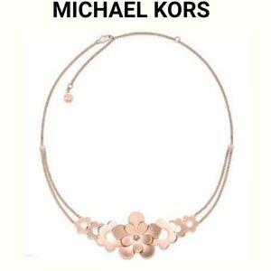 ❄  Michael Kors Rose Necklace.